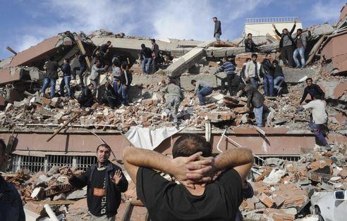 Sacude fuerte terremoto a Turquía