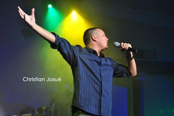 Christian Josué - Presenta