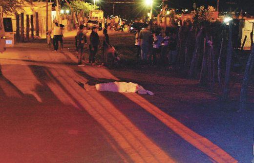 Frente a Sus Hijas de 3 y 6 años asesinan a un Hombre