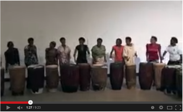 Ingoma Nshya, tambores ayudan a sanar heridas de mujeres en Ruanda…