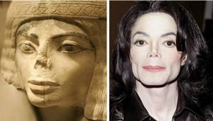 MICHAEL JACKSON Y ESTATUA EGIPCIA