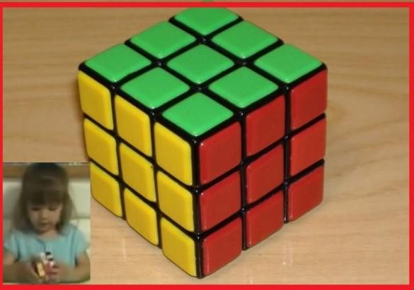 Niña de tres resuelve el cubo rubik en tres minutos 3