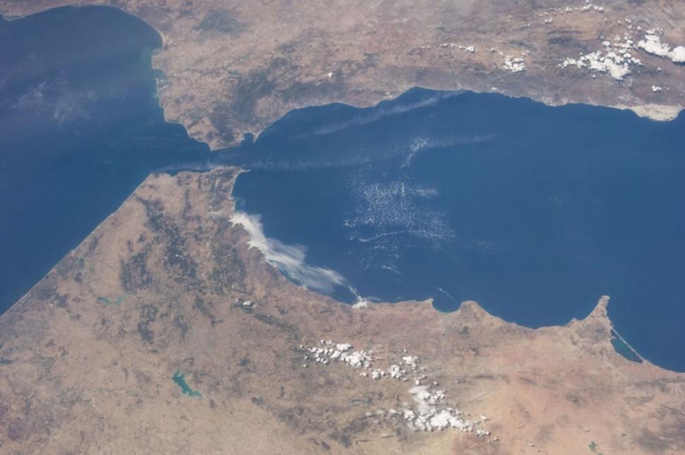 012 El estrecho de Gibraltar.