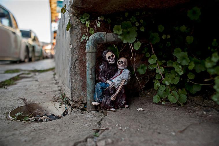 Isaac Cordal - Esqueletos