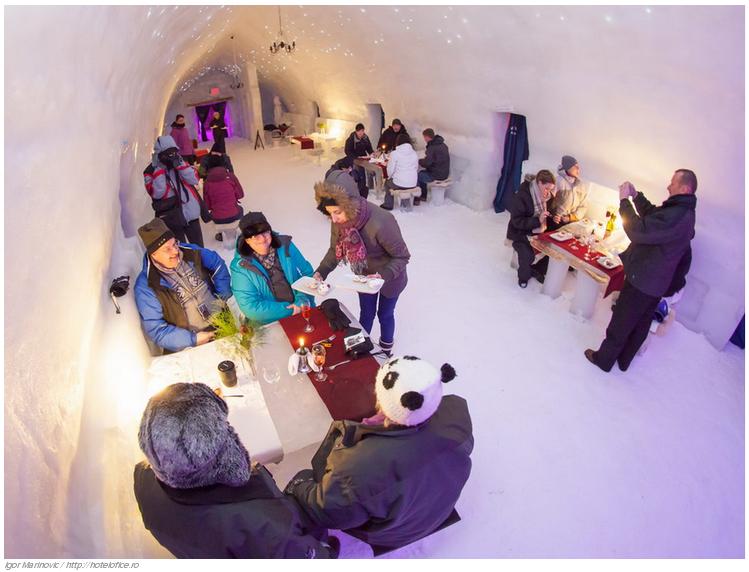 18 El Balea Ice Hotel en Cîrţişoara, Rumania