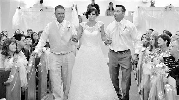 Después de trágico accidente, ésta mujer vuelve a caminar para su boda 4