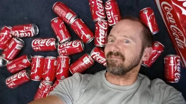 Él Tomó 10 Latas De Cocacola Diaria. Al Llegar Al Mes Lucía Como Otra Persona