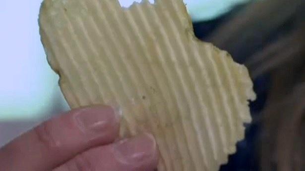Mujer descubre que tenía cáncer por una patata frita 2
