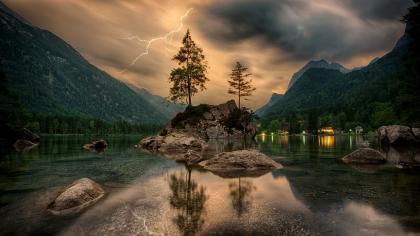Oración de la noche por auxilio y protección