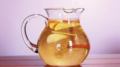 Agua de canela, manzana y limón para ADELGAZAR. ¡Súper saludable!