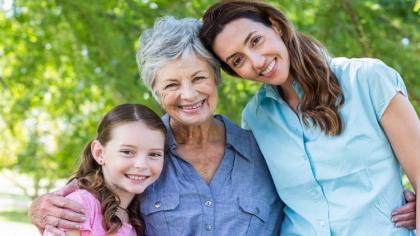 Estudio comprueba que, mientras más tiempo pases con tu madre, más ella vivirá
