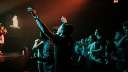 Mi Alabanza, Mi Corazón Y Mi Adoración Le Pertenecen A Dios
